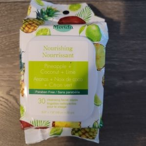 New - Cleansing Facial Wipes 🥥🍍